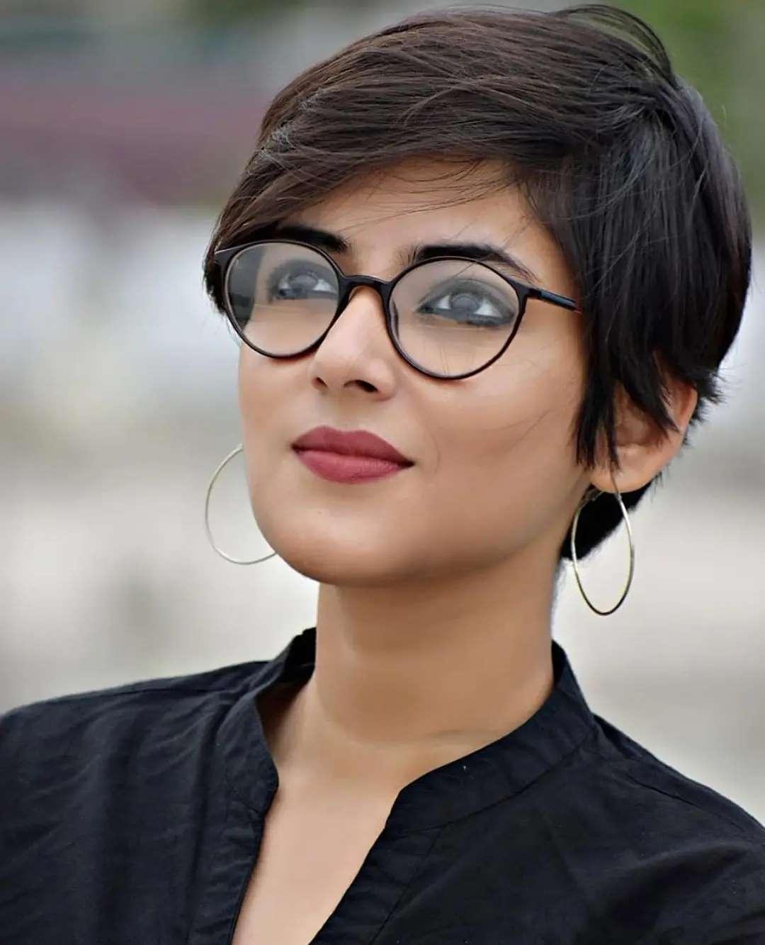 Einfache kurze Frisuren für dickes und dünnes Haar - Weibliche Kurzhaarschnitte