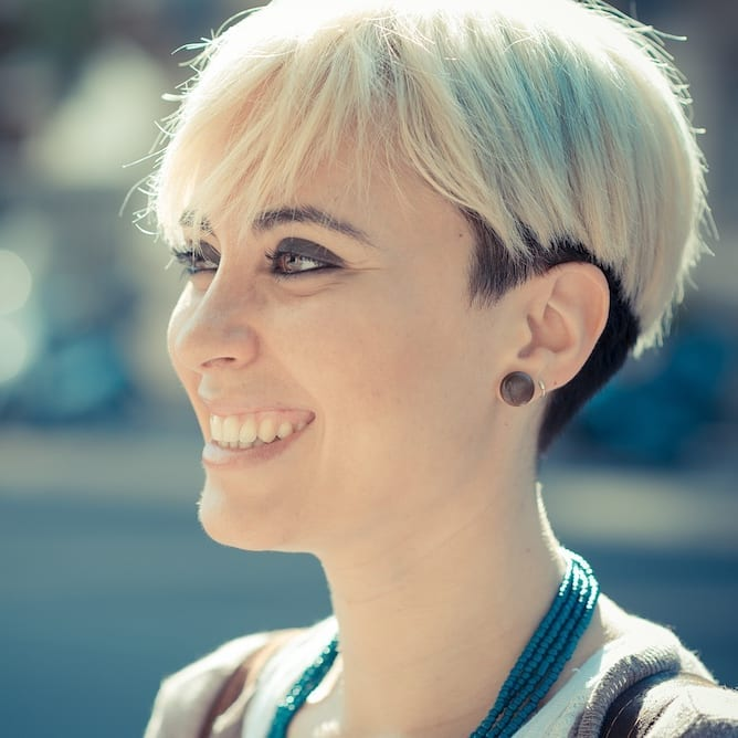 Süße kurze Haarschnitte für dickes Haar - Frauen-Kurzhaarfrisuren-Trends