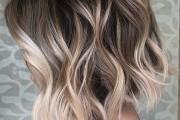 10 Stylish Short Wavy Hairstyles with Trendy Balayage