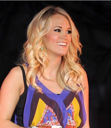Carrie Underwood Frisuren 2012 für welliges Haar