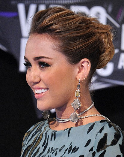 Miley Cyrus Easy Updo Frisuren 2012