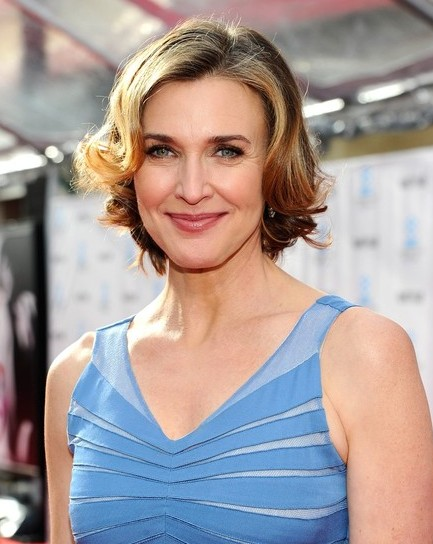 Brenda Strong Short Hairstyles