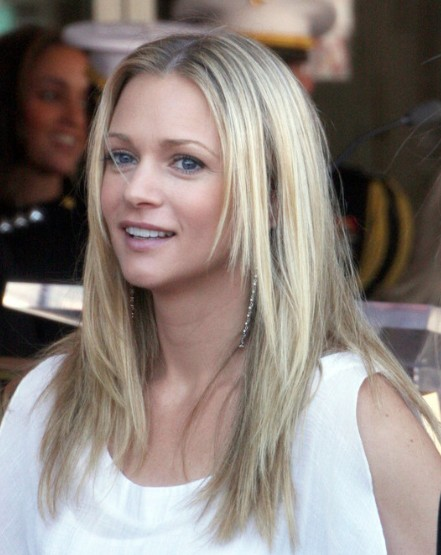 A.J. Cook Hairstyle
