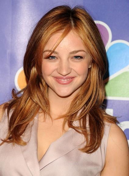 Abby Elliott Hair Style